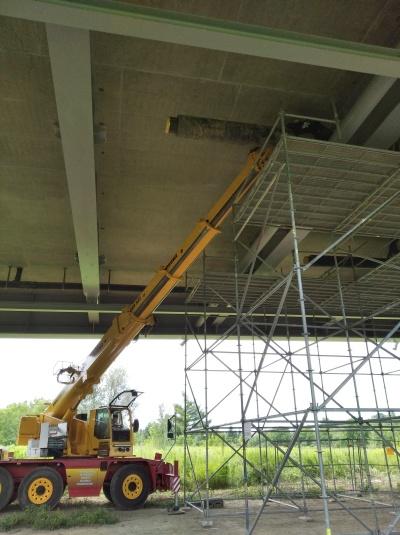 Budowa ciepłociągu w kadłubie mostu Brama Przemyska